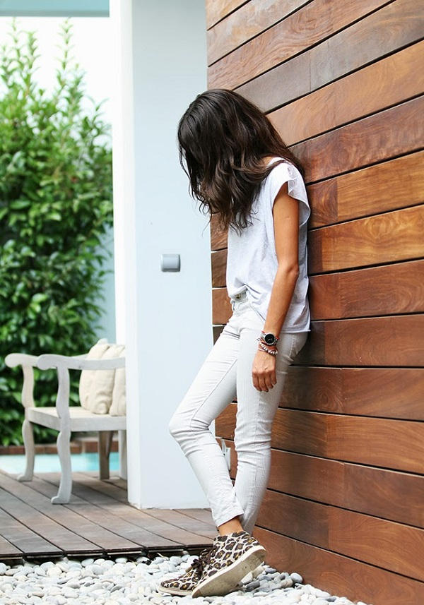 White Out: Whie Denim and Tee