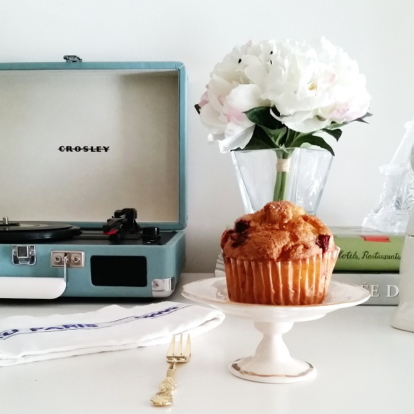 Friday's Five: Muffin + Anthropologie Cupcake Stand