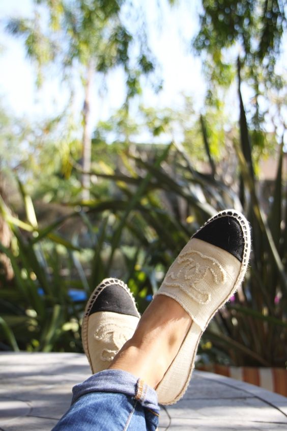 espadrilles chanel white cuffed